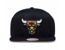 Pirkt Beisbola cepure MITCHELL AND NESS Chicago Bulls Dark Hologram BH73GW Elkor