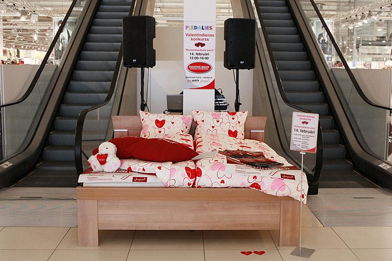 Romantisko sacensību galvenā balva: Arte M gulta un Sleepwell matracis ar virsmatraci.
