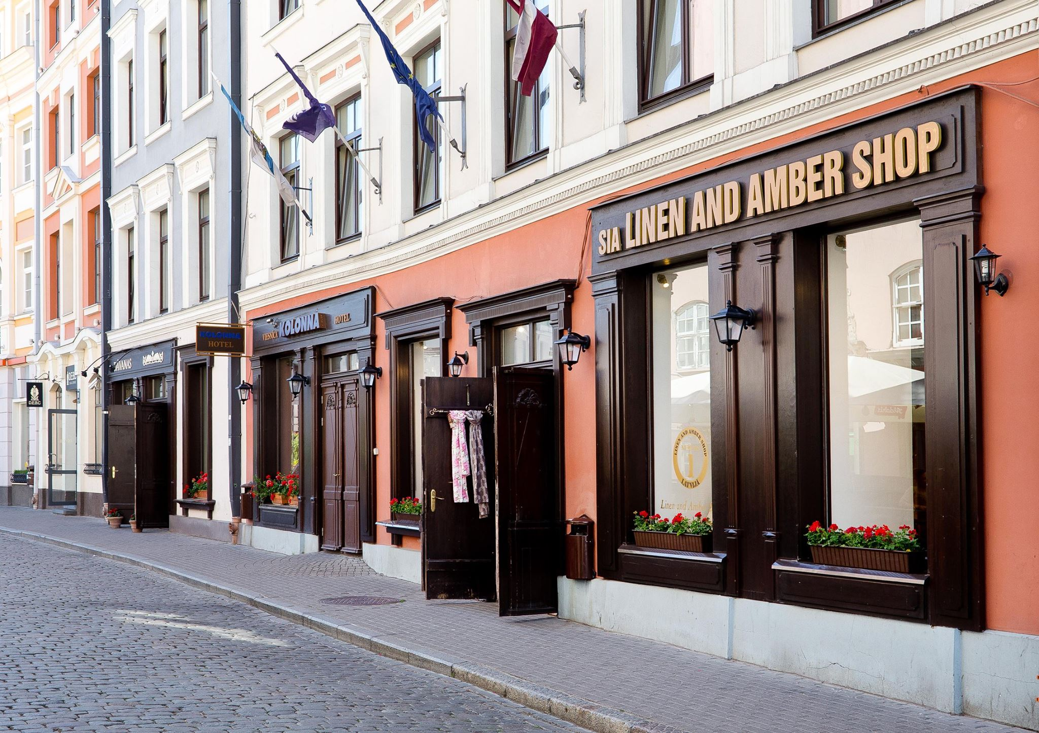 Linen and Amber Shop